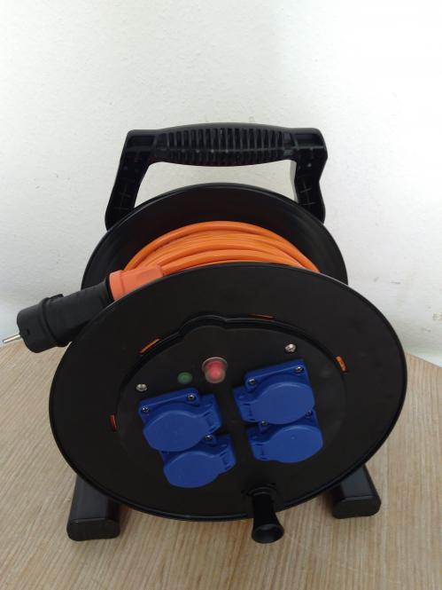 Kabeltrommel XREEL310 Kunststofftrommel (schwarz) 40m 3x1,5qmm Purleitung Orange